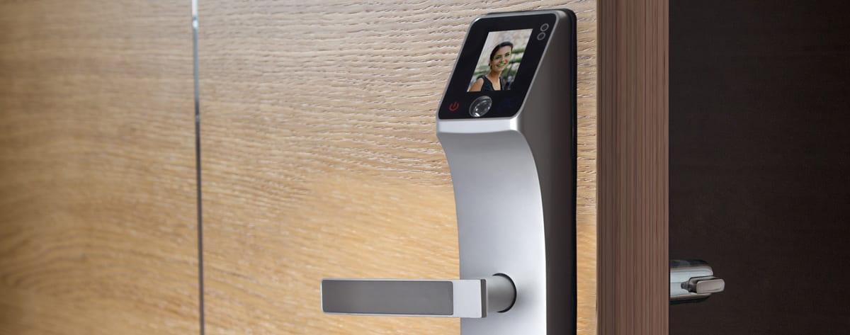 fechadura digital com reconhecimento facial