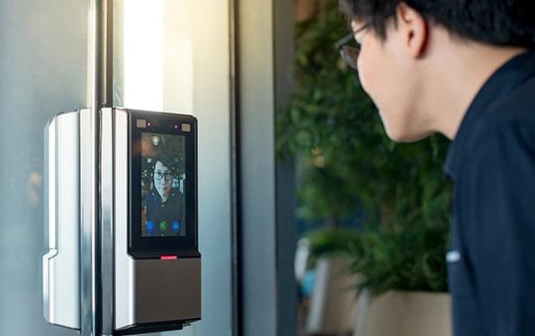 Reconhecimento biométrico e facial